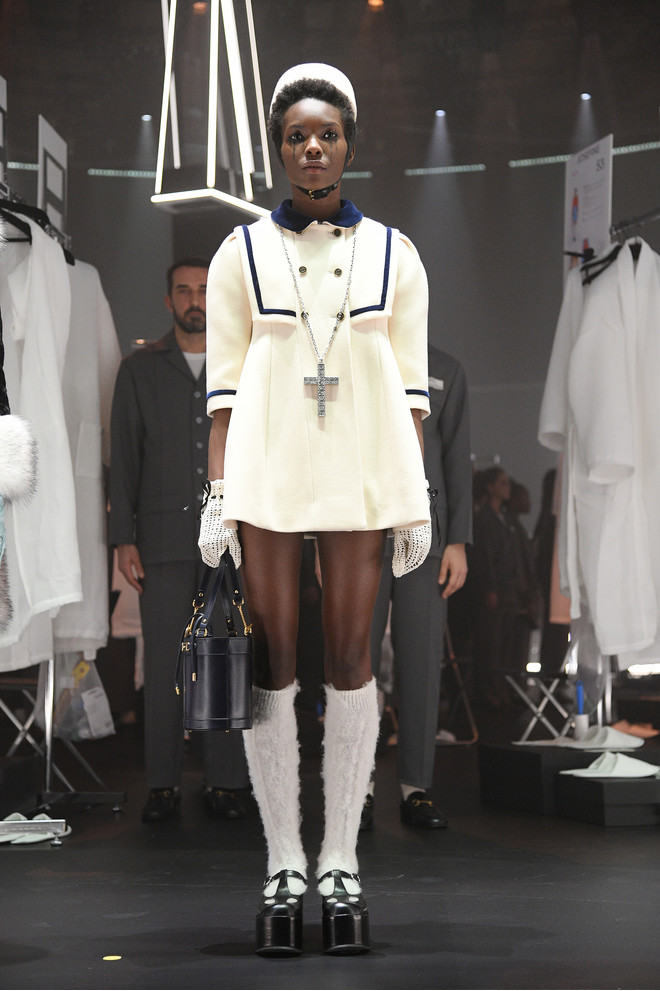 Мастера Gucci дошивали одежду прямо на показе (фото 9.2)