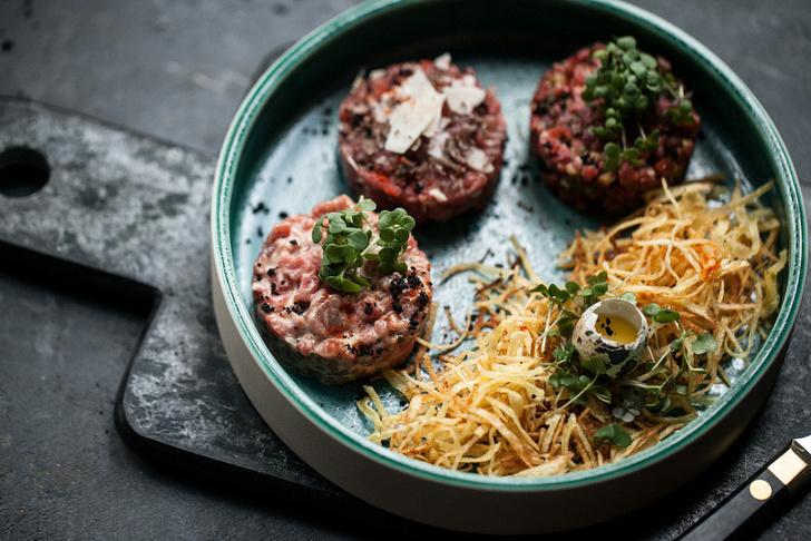 Трио тартар: телятина с трюфелем/кострец с горчичным соусом/вырезка с ворчестером и табаско