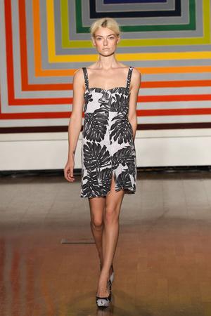 Показ Fashion East коллекции сезона Весна-лето 2012 года Prêt-à-porter - www.elle.ru - Подиум - фото 299424