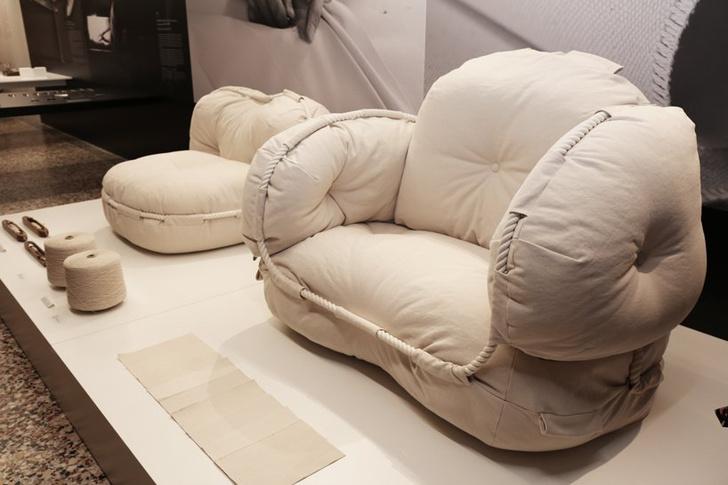 Облачные кресла студии Faye Toogoo (фото 3)
