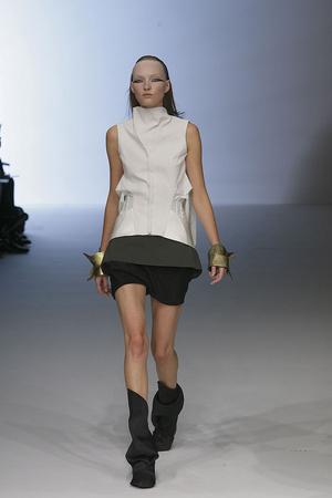 Показы мод Rick Owens Весна-лето 2010 | Подиум на ELLE - Подиум - фото 2953