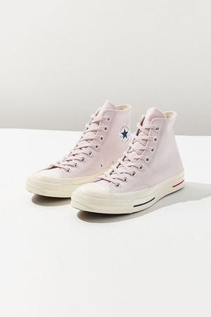 Millennial pink: кроссовки какого цвета будут актуальны этой весной (фото 5.2)