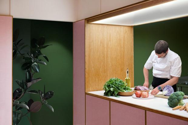 Розовая закусочная в Лондоне (фото 11)