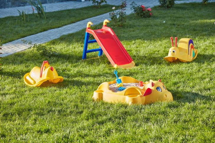 Лучше гаджетов: как организовать игровую зону на даче для детей (фото 7)