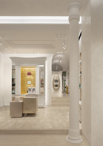 Delvaux opens its first boutique in Rome (фото 6.2)
