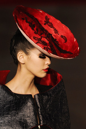 Показ Fatima Lopes коллекции сезона Осень-зима 2012-2013 года prêt-à-porter - www.elle.ru - Подиум - фото 370622