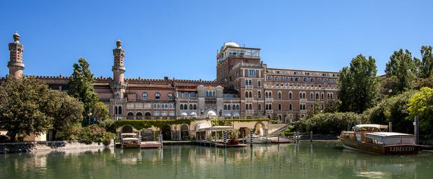 Палаццо у пляжа: обновленный Excelsior Venice Lido Resort в Венеции (фото 1)