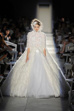 Показ  коллекции сезона Осень-зима 2012-2013 года Haute couture - www.elle.ru - Подиум - фото 403697