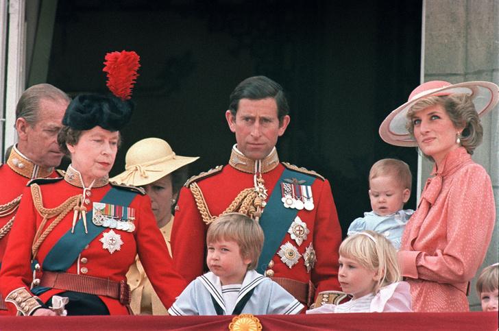 23 редких кадров принцессы Дианы с детьми (фото 15)