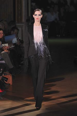 Показ Givenchy коллекции сезона Весна-лето 2010 года Haute couture - www.elle.ru - Подиум - фото 138526