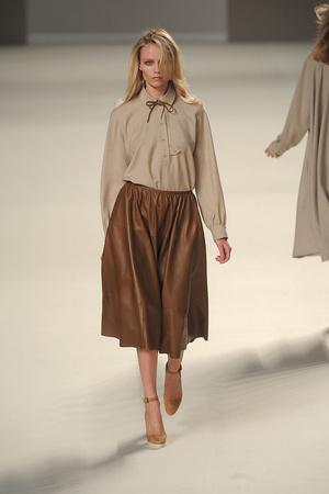 Показы мод Chloé Осень-зима 2010-2011 | Подиум на ELLE - Подиум - фото 2704