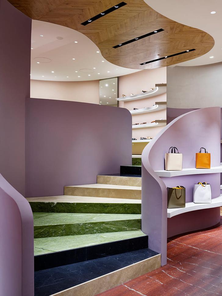 Извилистая геометрия: бутик Marni в Токио (фото 2)