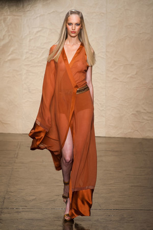 Показ Donna Karan New York коллекции сезона Весна-лето 2014 года prêt-à-porter - www.elle.ru - Подиум - фото 560004