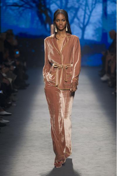 Самые красивые образы Недели моды в Милане   галерея [1] фото [26]