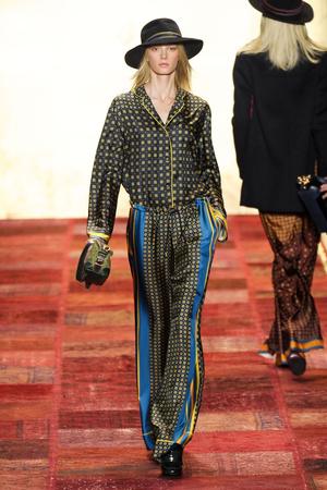 Показы мод Tommy Hilfiger Осень-зима 2011-2012 | Подиум на ELLE - Подиум - фото 2409