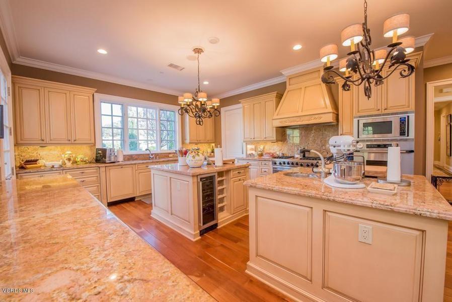Уейн Грецки продал свой дом в Калифорнии за 3,4 млн долларов | галерея [1] фото [3]