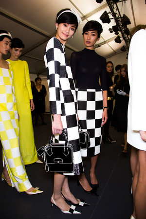 Показ Louis Vuitton коллекции сезона Весна-лето 2013 года prêt-à-porter - www.elle.ru - Подиум - фото 466264