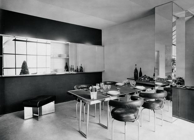 Гостиная в парижской квартире Перриан, 1928 год.