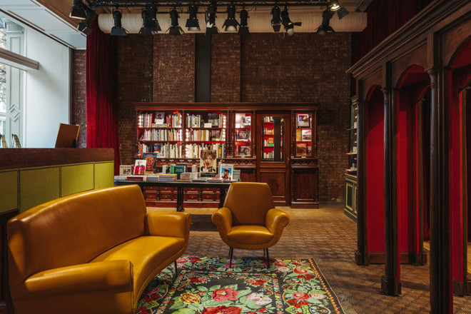 Книги - новый тренд: Gucci открыли книжный магазин (фото 1.2)