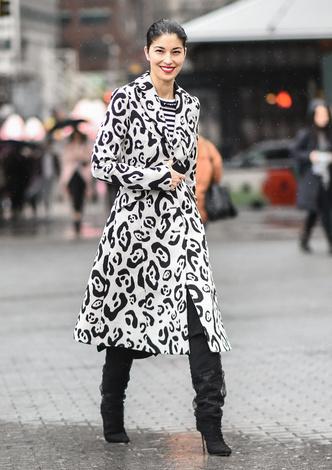 Что носят на Неделе моды в Нью-Йорке: 12 стритстайл-трендов (фото 14.2)