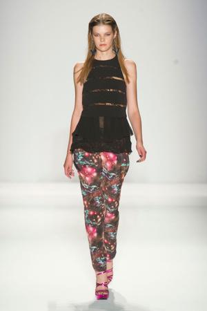 Показы мод Nicole Miller Весна-лето 2013 | Подиум на ELLE - Подиум - фото 1312