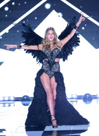 Даутцен Крез покидает Victoria's Secret
