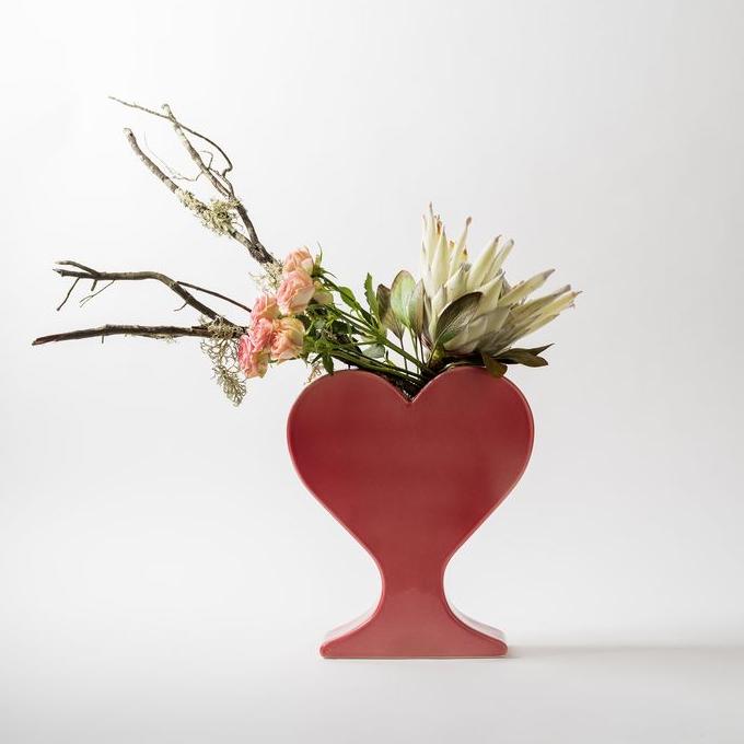 15 ваз в форме сердца: выставка в Мадриде (галерея 6, фото 1)