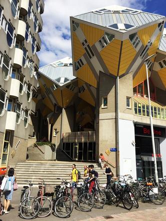 Кубические дома Пита Блома фото [15]