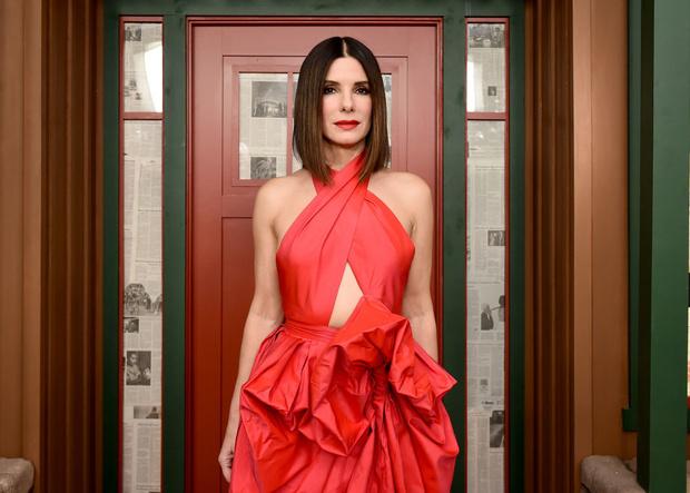 Код красный: Сандра Буллок в Martin Grant на премьере в Нью-Йорке (фото 1)