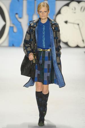 Показ Anna Sui коллекции сезона Осень-зима 2012-2013 года Prêt-à-porter - www.elle.ru - Подиум - фото 348537