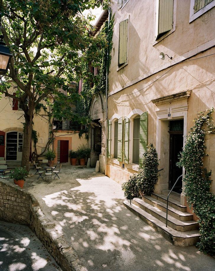 Отель Le Cloître в Провансе: проект Индии Мадави (фото 2)