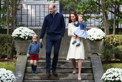 История любви Кейт Миддлтон и принца Уильяма в фотографиях | галерея [4] фото [3]