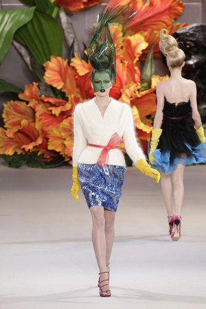 Показ Christian Dior коллекции сезона Осень-зима 2010-2011 года Haute couture - www.elle.ru - Подиум - фото 167445