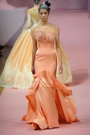 Показ Alexis Mabille коллекции сезона Весна-лето 2013 года Haute couture - www.elle.ru - Подиум - фото 477542