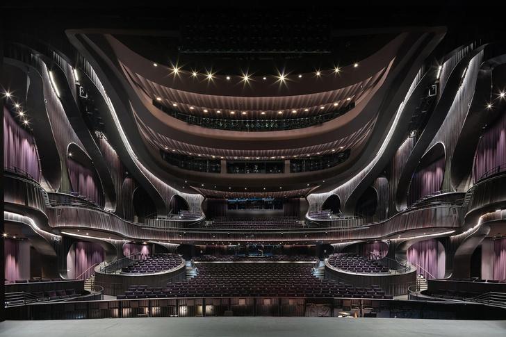 Футуристичный театр оперы в Гонконге (фото 10)