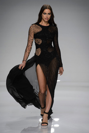 Показ Atelier Versace коллекции сезона Весна-лето  2016 года Haute couture - www.elle.ru - Подиум - фото 602602
