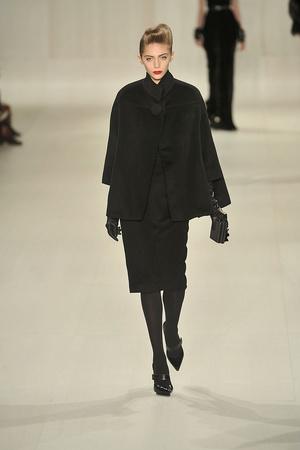 Показы мод Elie Saab Осень-зима 2009-2010 | Подиум на ELLE - Подиум - фото 3134