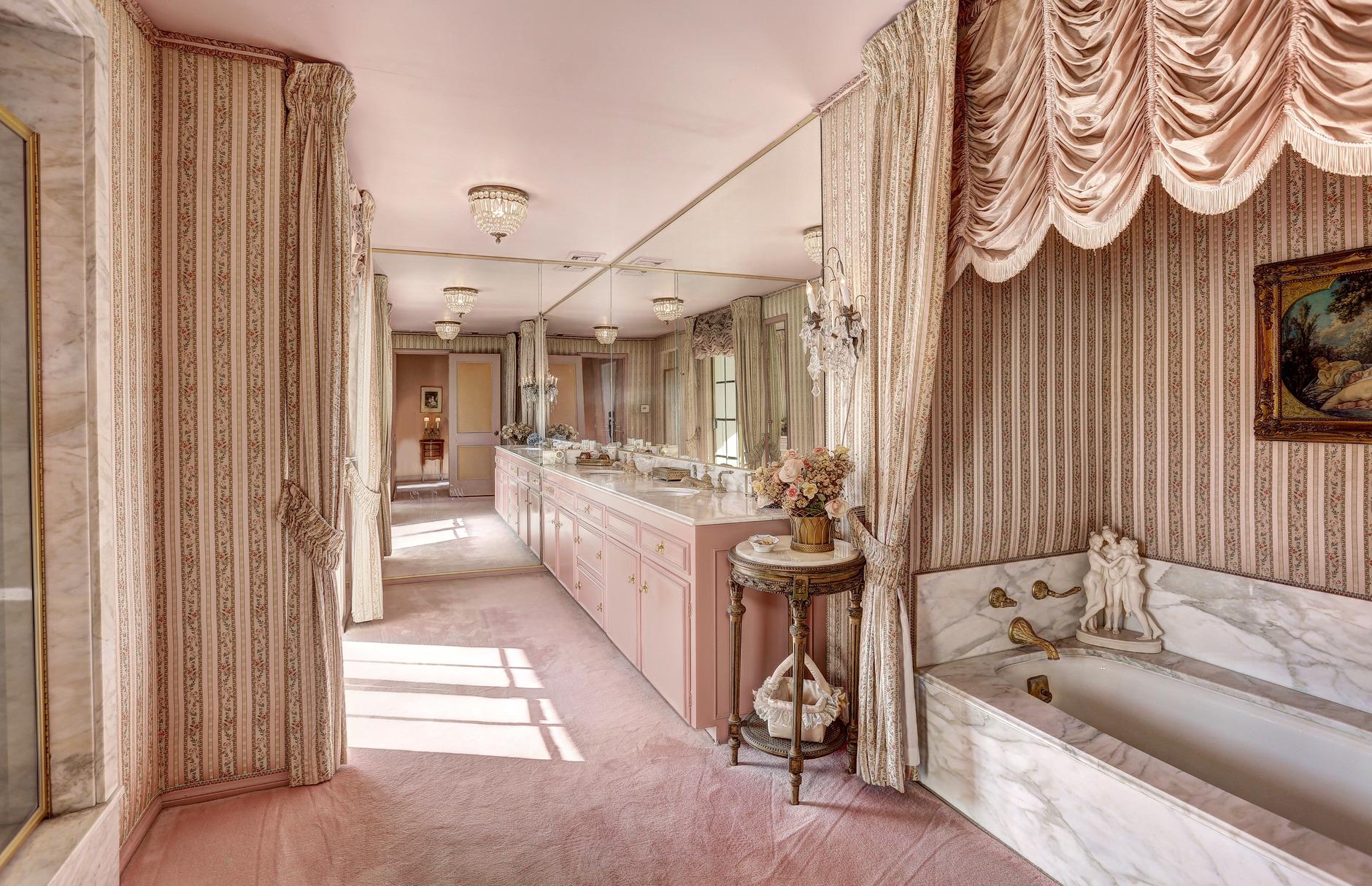 В Калифорнии продан бывший дом Рональда Рейгана (галерея 5, фото 3)