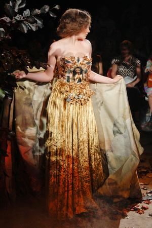 Показ Franc Sorbier коллекции сезона Осень-зима 2010-2011 года Haute couture - www.elle.ru - Подиум - фото 168053