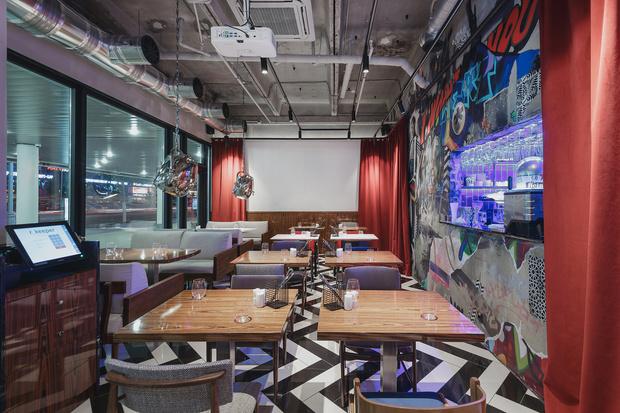Ресторан «Кастинг» в кинотеатре «Октябрь» от студии MAST (фото 0)