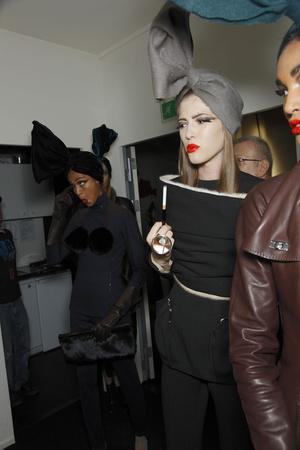 Показ Jean Paul Gaultier коллекции сезона Осень-зима 2010-2011 года Haute couture - www.elle.ru - Подиум - фото 168531