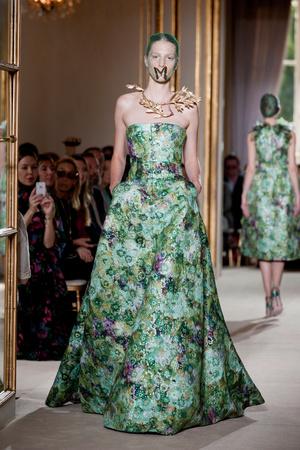 Показ Giambattista Valli коллекции сезона Осень-зима 2012-2013 года haute couture - www.elle.ru - Подиум - фото 403395