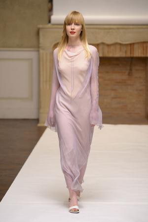 Показ Adeline Andre коллекции сезона Весна-лето 2011 года haute couture - www.elle.ru - Подиум - фото 216067