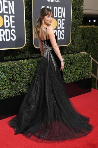 Женщины в черном: самые эффектные платья «Золотого глобуса» (фото 27)
