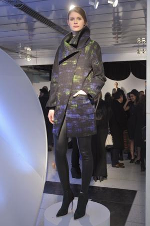Показы мод Elie Tahari Осень-зима 2013-2014 | Подиум на ELLE - Подиум - фото 804