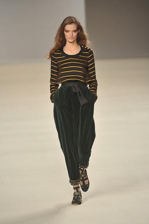 Показы мод Chloé Осень-зима 2009-2010 | Подиум на ELLE - Подиум - фото 3140