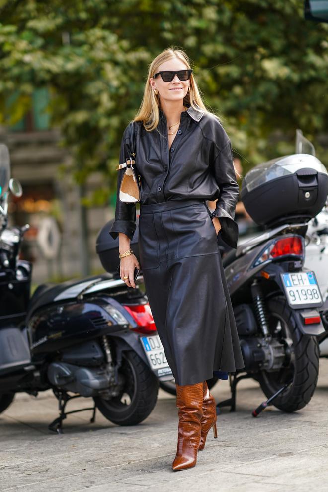 С чем носить кожаную юбку этой зимой: 3 идеи (фото 4)