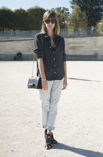Back to 90s: 5 способов носить mom-джинсы (фото 23)