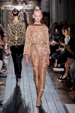 Показ Valentino коллекции сезона Осень-зима 2012-2013 года Haute couture - www.elle.ru - Подиум - фото 404941