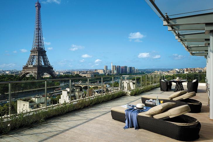 Терраса сьюта Eiffel Duplex Terrace